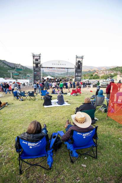 The crowd at the Bluebird Art and Sound concerts in Snowmass Friday evening.