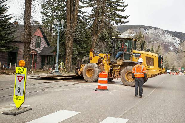 Construction on Hwy 82 started Monday afternoon for the Castle Creek Bridge reconstruction.