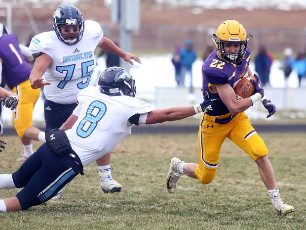 Basalt running back Jake Reardon avoids a tackle against Platte Valley in the 2A state quarterfinals on Saturday, Nov. 10, 2018, in Basalt. (Photo by Austin Colbert/The Aspen Times).