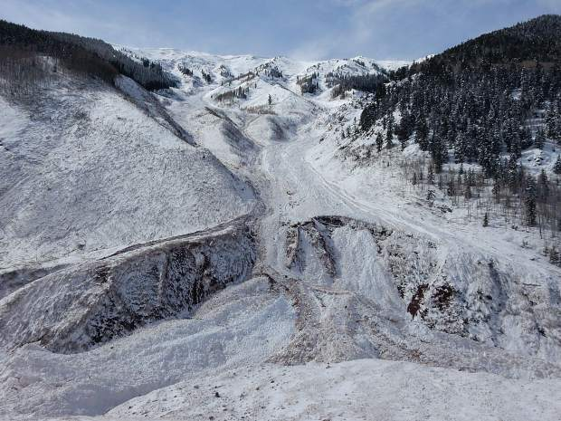 Historic-sized' avalanche hits Conundrum Valley southwest of
