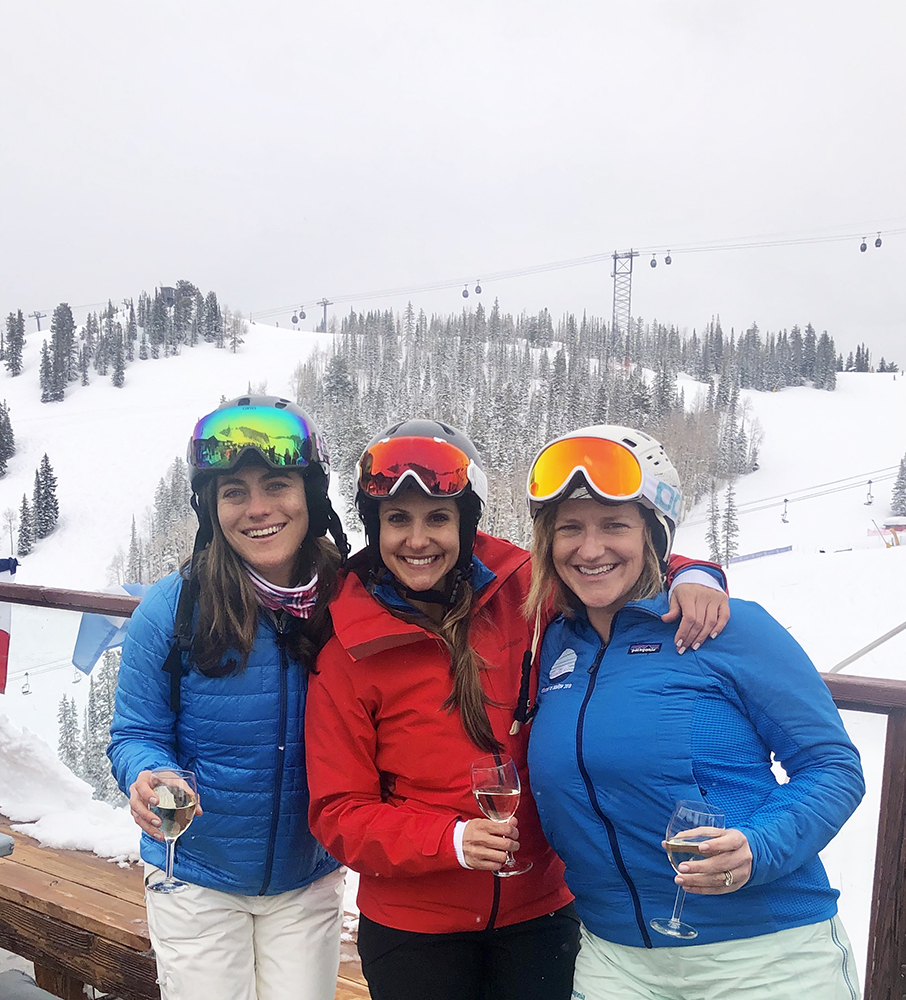Quinn Shean, Tara Seracka and Page Crahan get started early on apres.