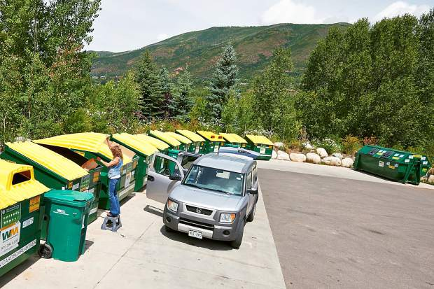 Recycling change-up forces people to the curb