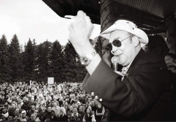 Hunter S. Thompson gives a speech during a peace rally in Aspen in February 2003.